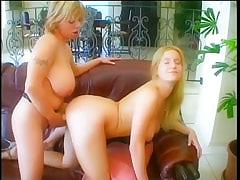 Lesbian Strapon Clips!