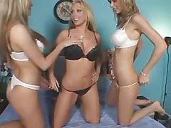 Three lezzies enjoy oralThreesome lesbian porn!