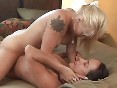 Lesbian Kissing xxx video