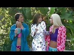 Threesome lesbian porn