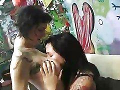 HT - Tattooed lesbians licking to orgasm