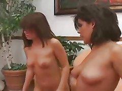 brunettes anal lesbian..