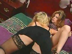 Wild lesbian hottie itching..