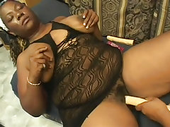 Black bbws fuck each other..