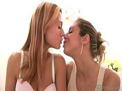 Ginger Lee & Isabella Sky - Hi-Def: Lesbian Kissing