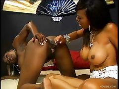 Two hot black lesbians fuck..