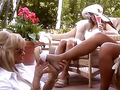 Lesbo glamour ladies lick in..