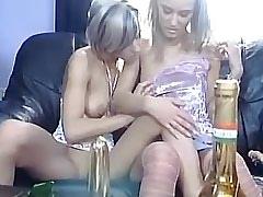 Lesbo hottie licks her..