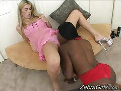interracial lesbian licks..