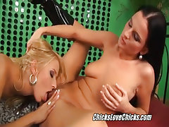 Lesbians oral pussy xxx video